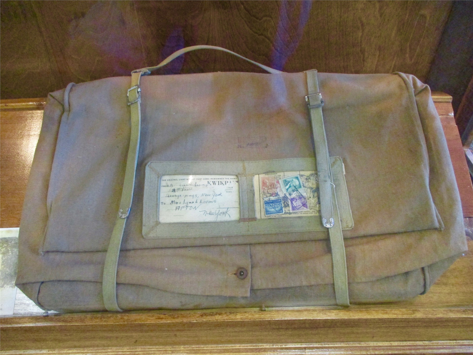World War I exhibit: Medical musette bag